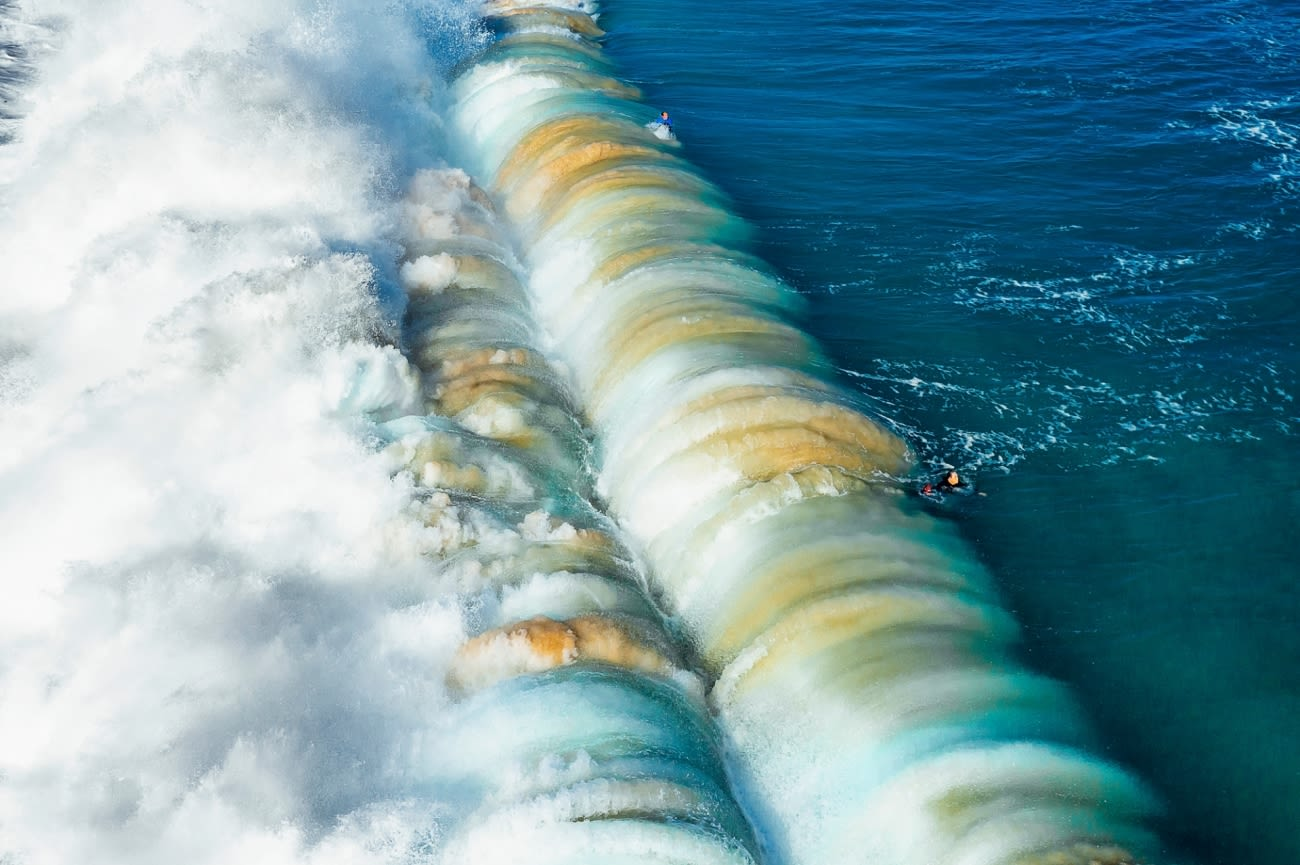 drone-photography-awards-2021-giant-wave.jpg